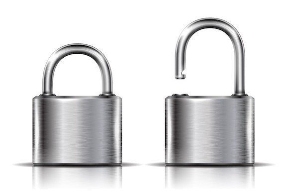 two padlocks symbolizing a site with or without ssl certificate